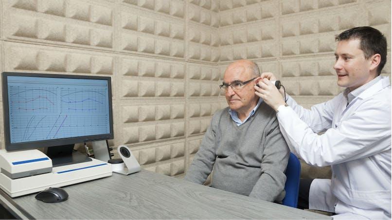 Le port d'une prothèse auditive peut aider à protéger le cerveau plus tard dans la vie