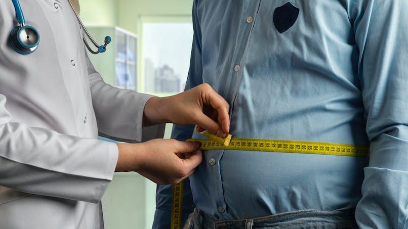 Obésité : outre l'IMC, le tour de taille aussi devrait être pris en compte