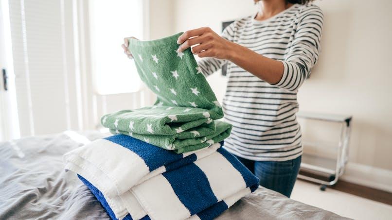 Les tâches ménagères toujours partagées de manière inégale dans le couple?