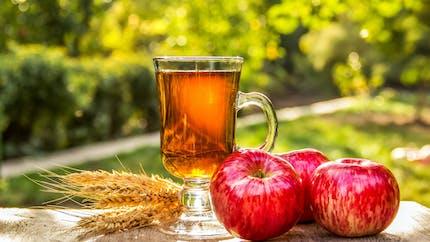 Pomme, thé et modération : les trois ingrédients pour une longue vie ?