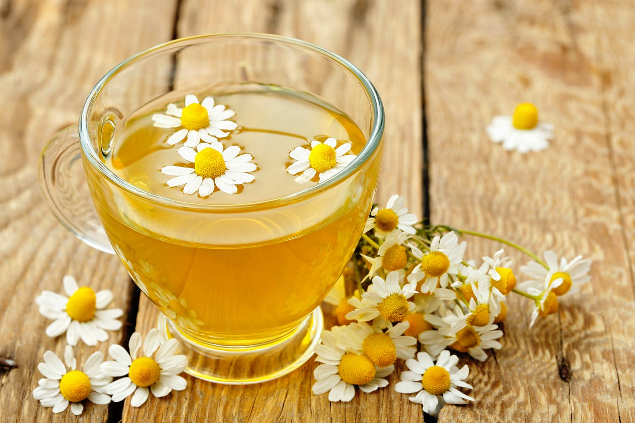 Does chamomile tea really make you sleepy?  |  Health Magazine