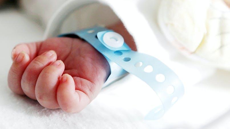 Bébés nés sans bras : une famille a déposé plainte contre X