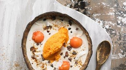 Yaourt aux noix de cajou et à la papaye