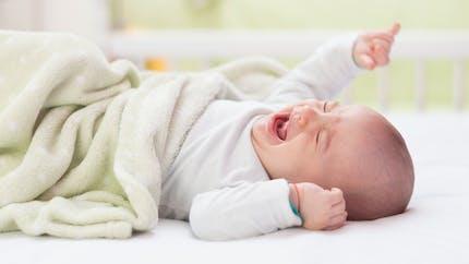 Pourquoi les nouveau-nés n'ont ni larmes ni transpiration ?