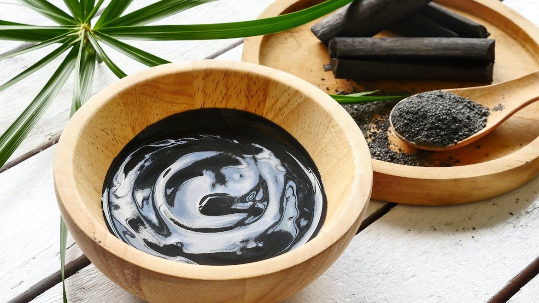 Quels sont les bienfaits du charbon pour la peau ?