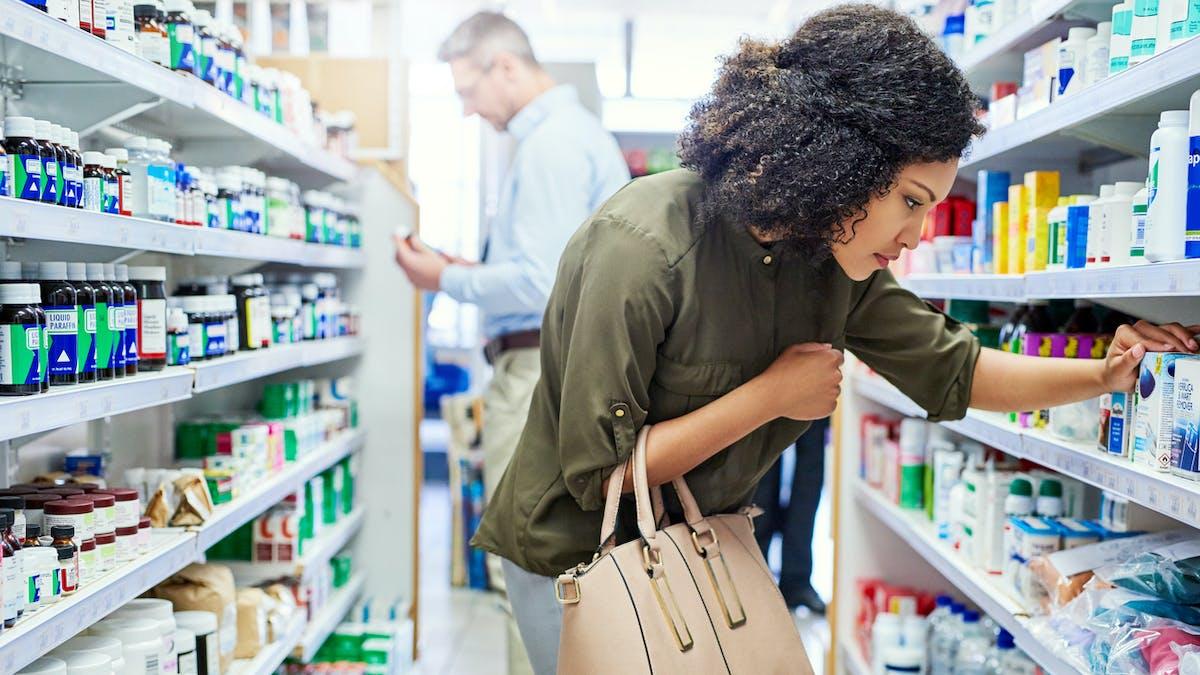 Aspirine, Paracétamol...: bientôt la fin du libre-service en pharmacie ?