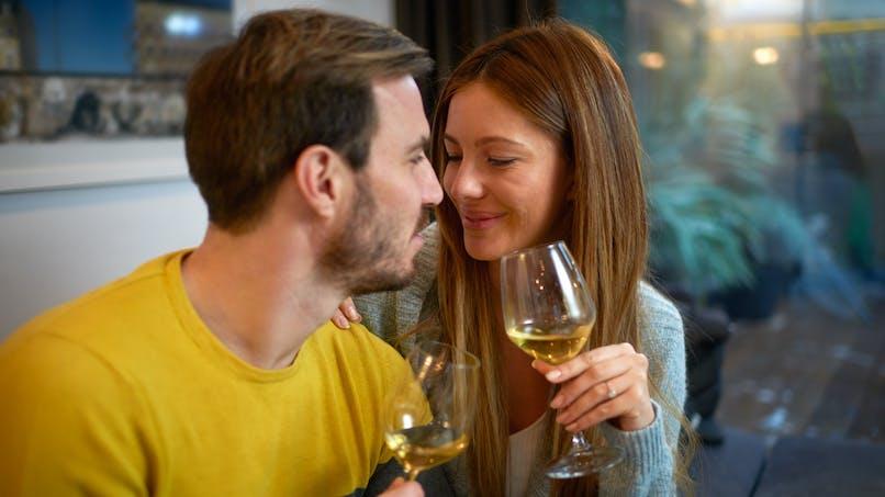 Les hommes devraient arrêter l'alcool six mois avant la conception d'un bébé