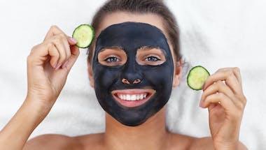 Masque au charbon : 3 recettes à faire soi-même
