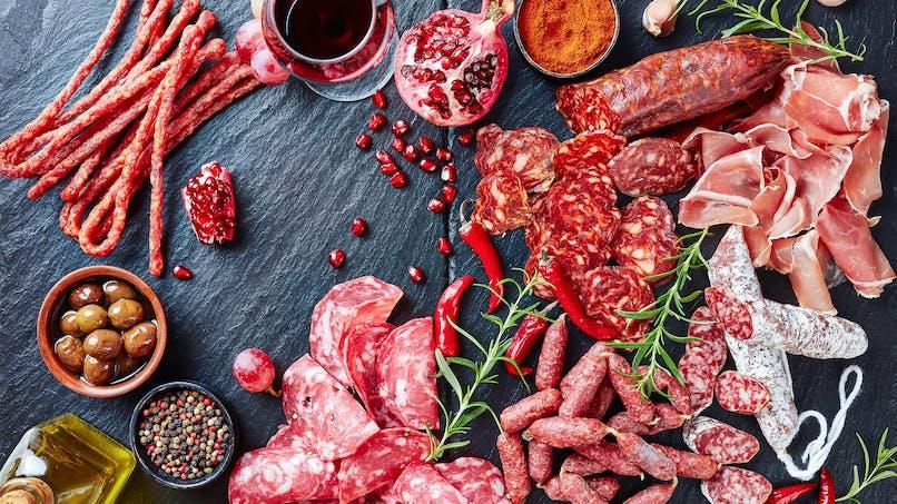 Pour limiter le risque de cancer colorectal, doit-on vraiment consommer moins de viande rouge et de charcuterie ?