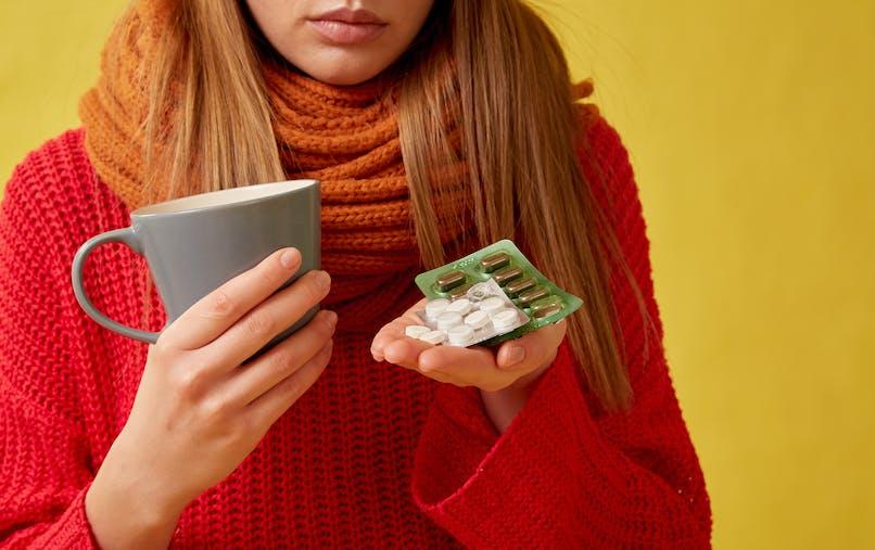 Pour soulager un mal de gorge : pastilles ou spray  ?
