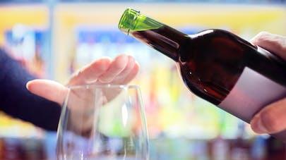 """L'organisme Santé Publique France envisage un """"mois sans alcool"""" en janvier en France"""