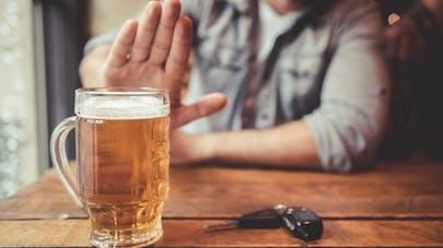 Alcoolisme : la kétamine réduirait le besoin irrépressible d'alcool