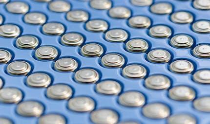 Des piles-boutons au goût amer seront bientôt commercialisées par Duracell