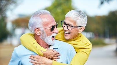 Amour et rencontres après 50 ans - Vivre ma retraite - Etre à la retraite - pharmacie-montblanc-chamonix.fr