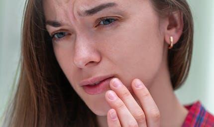 8 remèdes de grand-mère pour venir à bout de l'herpès labial