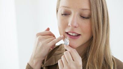 Soigner le bouton de fièvre: 8 produits sans ordonnance