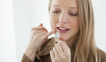 Patchs, crèmes, lotions... quels produits sans ordonnance pour soigner un bouton de fièvre ?