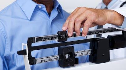 Obésité : l'IMC plus fiable que les tests génétiques pour prévoir le risque futur