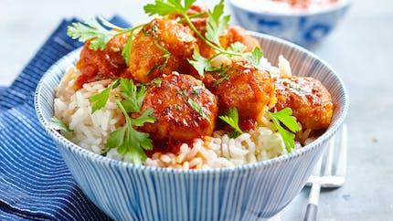 Boulettes de boeuf à la sauce tomate, riz et cerfeuil