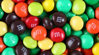 M&M's : le dioxyde de titane E171 va être retiré de la composition de ces bonbons