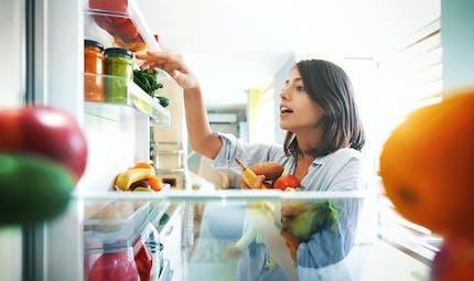 Des heures de repas décalées le week-end peuvent favoriser la prise de poids