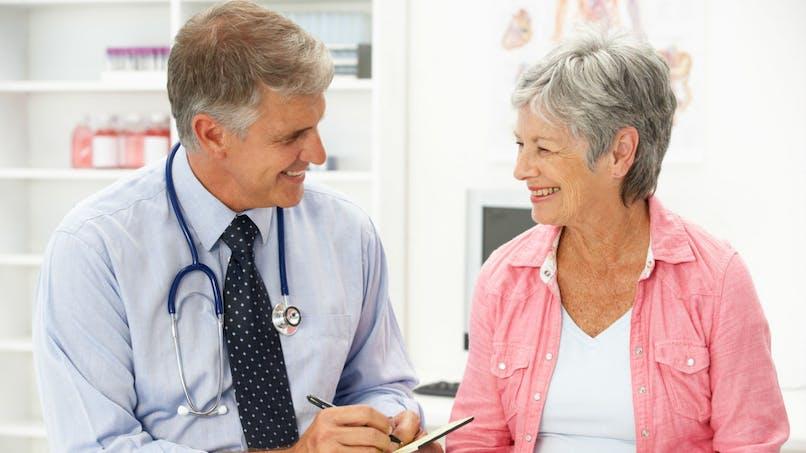 Le risque de maladie cardiaque augmente à mesure que les femmes traversent la ménopause