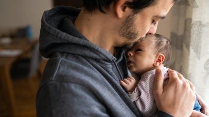 Naissance : 105 entreprises s'engagent pour un congé d'un mois pour le second parent
