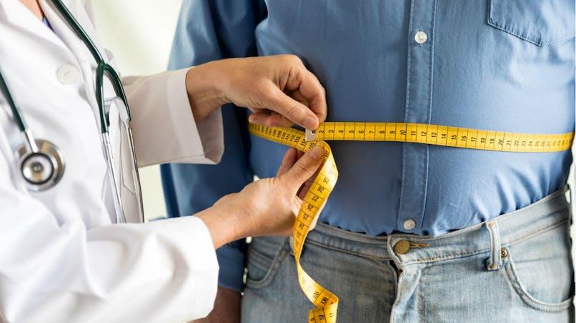 Le tour de taille est tout aussi important que l'IMC pour comprendre le risque d'obésité