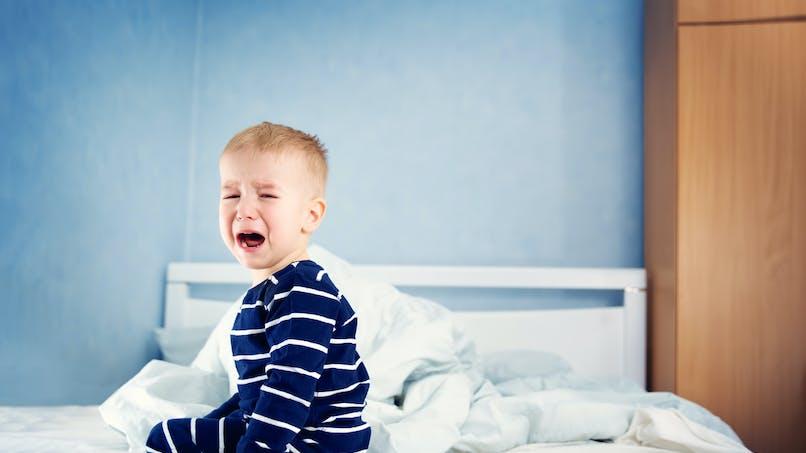 Les enfants souffrant d'anxiété de séparation ont un risque accru de troubles du sommeil