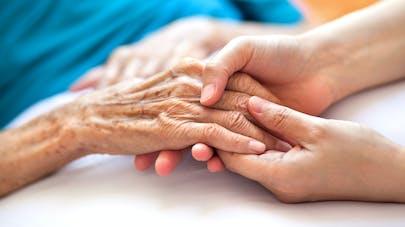 Fin de vie : la HAS en faveur de la sédation profonde disponible à domicile