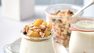 Verrines de yaourts, pomme et cannelle