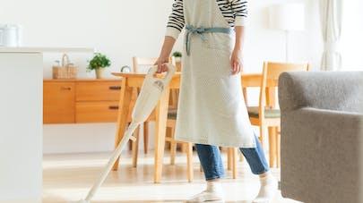 H24 confinés à la maison, quatre conseils pour limiter la pollution de l'air chez soi