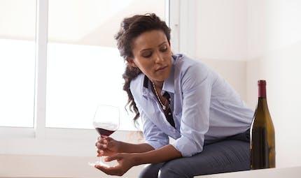 Confinement et addictions : des risques accrus ?