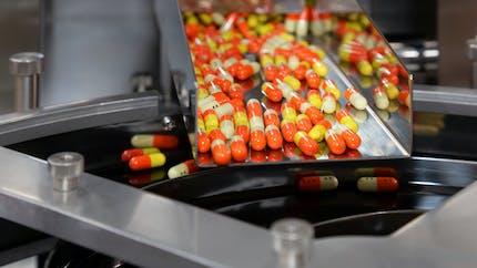 Médicaments : à quelles conditions pourra‑t‑on relocaliser la production des principes actifs ?