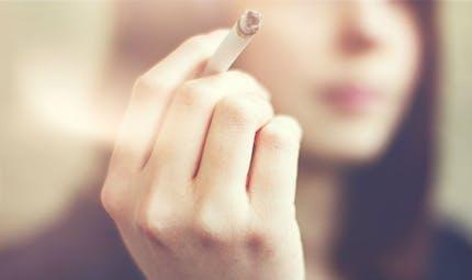 Coronavirus: la fumée des cigarettes et vapoteuses, un vecteur de transmission