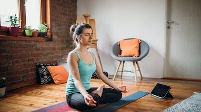 5 chaînes Youtube pour faire du yoga à la maison
