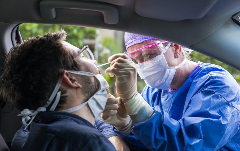 Drive test de dépistage au coronavirus