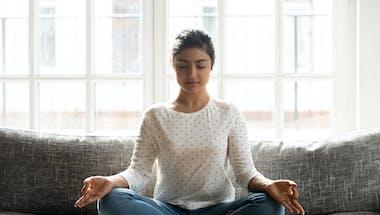 La sophrologie peut calmer les douleurs liées au syndrome du côlon irritable