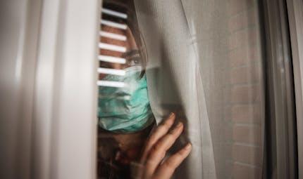 """Syndrome de la cabane : quand le retour à la """"normale"""" suscite l'anxiété"""