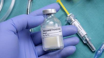 La dexaméthasone, nouvelle piste prometteuse contre la Covid-19?