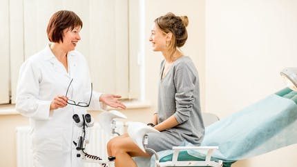 Cancer du col de l'utérus : le test HPV recommandé pour dépister les femmes de plus de 30 ans