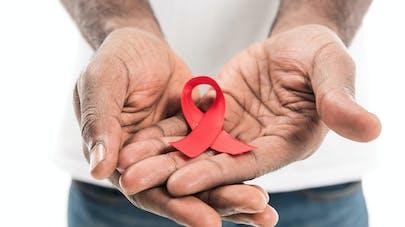Le ruban rouge de la lutte contre le sida.