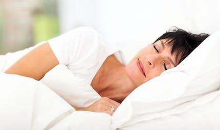 Ménopause : comment l'exposition aux phtalates perturbe le sommeil