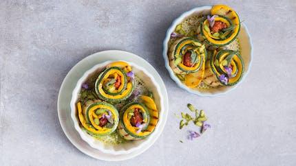Roulés de courgettes aux pistaches et tomates séchées