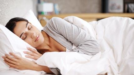 Une étude montre que les couvertures lestées peuvent réduire la gravité de l'insomnie