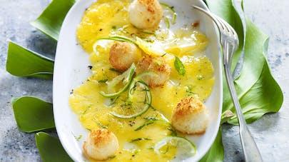 Carpaccio d'ananas au citron vert, biscuit coco