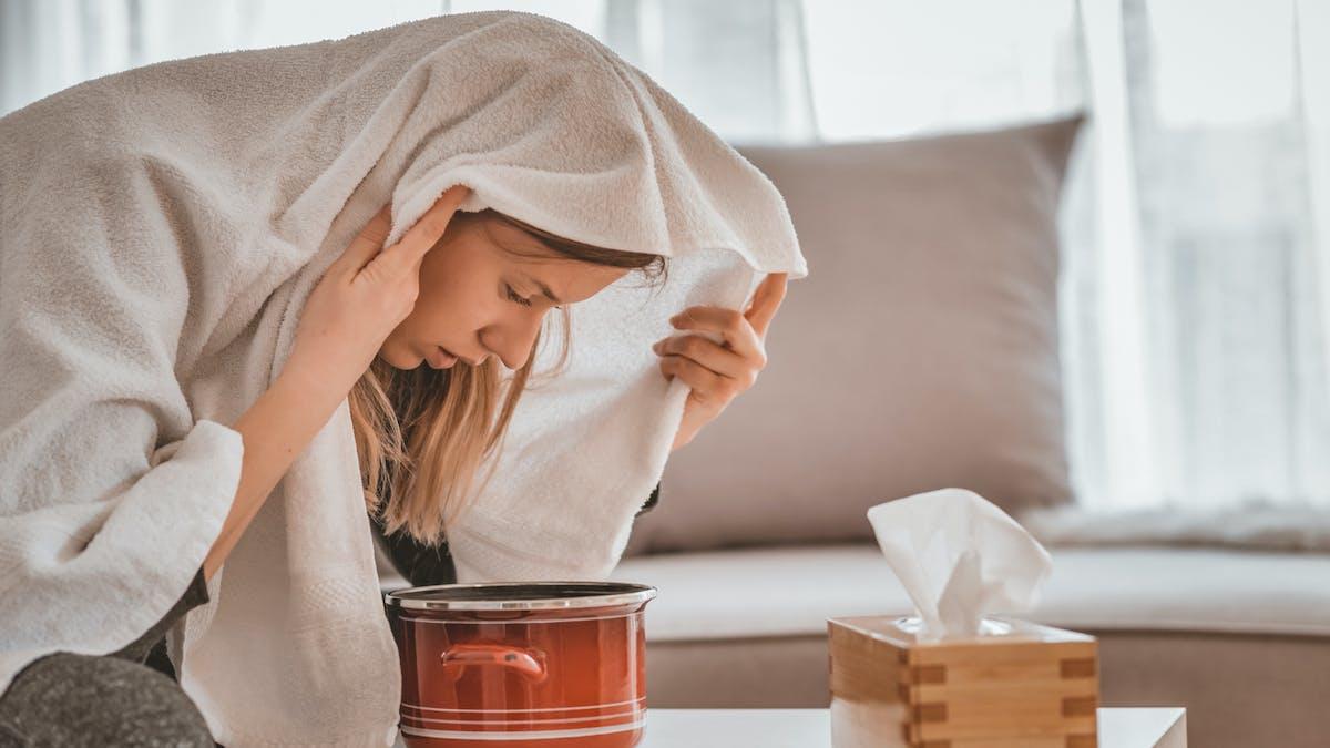Inhalation contre le rhume : 4 recettes à base d'huiles essentielles