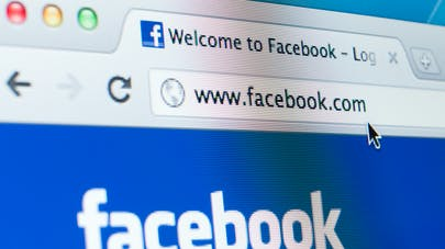 Covid-19 : Facebook va interdire les publicités anti-vaccins