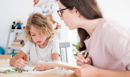 Campagne « Agir Tôt»: savoir reconnaître les signes d'un développement inhabituel chez l'enfant