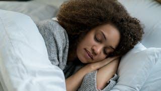 Sommeil: les huiles essentielles pour mieux dormir